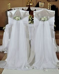 Church Wedding Decorations Aisle, Wedding Walkway, Wedding Ceremony Chairs, Wedding Stage Backdrop, Rustic Wedding Dresses, Boho Wedding Dress, Wedding Party Dresses, Flower Girl Wreaths, Red And White Weddings