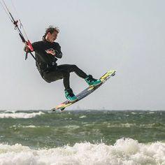 From hugoguias_kiteboardingPix from @kitesurf_cup_sylt . #kite #kitesurf #kitesurfing #kiteboarding #sylt #competition #power #freestyle #sport #ocean @takoonfamily @campings17 @sooruzofficial @gloryfy @eql0ve @tipoon_tm1 @atlanticwakeparkkiteboarding,sylt,power,sport,kitesurf,kite,freestyle,ocean,kitesurfing,competition