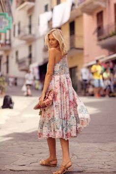 Spring Fashion Outfits For women Plaid Fashion, Look Fashion, Girl Fashion, Fashion Outfits, Womens Fashion, Mode Cool, Cool Girl Style, Jeanne Damas, Dress Vestidos