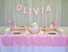 Una preciosa mesa de dulces para una niña especial / A lovely sweet table for a special girl