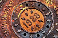 Eden Park, Cincinnati, Ohio, manhole cover