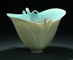 Antoinette shows in this online pottery class how to get to translucent porcelain work. Hand building as well as wheel thrown processes are explained and dem...