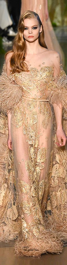 Elie Saab Spring 2015 Couture - this whole look makes me feel old Hollywood. Fashion Moda, Runway Fashion, High Fashion, Fashion Spring, Beautiful Gowns, Beautiful Outfits, Elie Saab Printemps, Look Formal, Abed Mahfouz