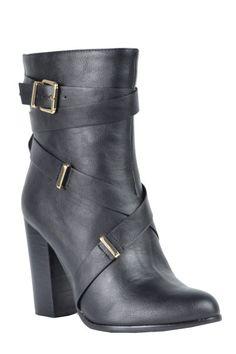 Lauren-01 Strap buckle boot in Black