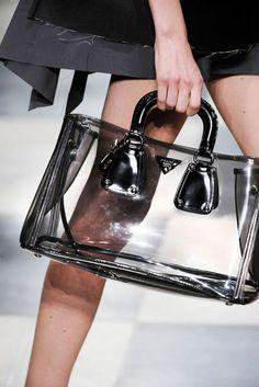 a3453c8607 7 top imagens de Sapatos de Plástico em 2019