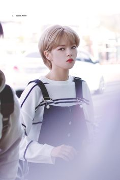 Twice Jeongyeon Suwon, Twice Jungyeon, Shot Hair Styles, Hair Reference, Cute Gay, Korean Music, Korean Girl Groups, Girl Crushes, Kpop Girls