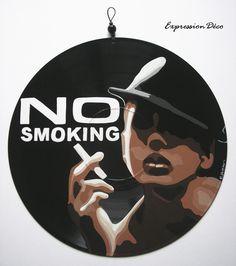 "Tableau ou plaque de porte en disque vinyle ""NO SMOKING"" 28 €"