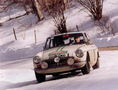 MGB GT 1967 rally car Maintenance/restoration of old/vintage vehicles: the material for new cogs/casters/gears/pads could be cast polyamide which I (Cast polyamide) can produce. My contact: tatjana.alic@windowslive.com
