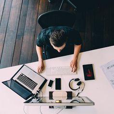 #desk #workspace #picoftheday #beautiful #photooftheday #ui #ux #desktopsetup #studio #setups #xcode #deskplace #desk #office #home #computer #graphicdesign #technology #room #surfacepro #ps4 #sony #apple #dribbble #behance #fancy by instagram.com/desktopsetup