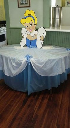 Cinderella tablecloth - New Sites Disney Princess Birthday Party, Princess Theme Party, Cinderella Birthday, Ramadan Decoration, Decoration Evenementielle, Childrens Party, Birthday Party Decorations, Birthday Ideas, Disney Princess Decorations