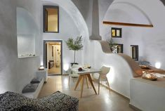 Not sure, where to stay in Santorini? Check these 10 stunning hotels and find the best place to stay in Santorini for your romantic getaway! Santorini Suites, Hotels In Santorini Greece, Santorini House, Best Hotels, Amazing Hotels, Dana Villas, Small Boutique Hotels, Best Greek Islands, Next Holiday