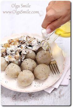 Pyzy ziemniaczane Olgi Smile Polish Recipes, Polish Food, Good Food, Yummy Food, Foods With Gluten, Ravioli, Dumplings, Gnocchi, Veggies