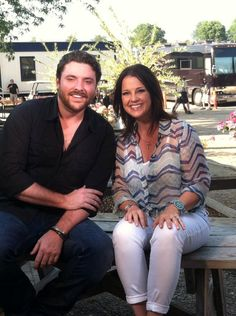 Chris and Nan Kelley at Country Thunder 2013 :) Chris will be on GAC's Top 20 Countdown this friday :)