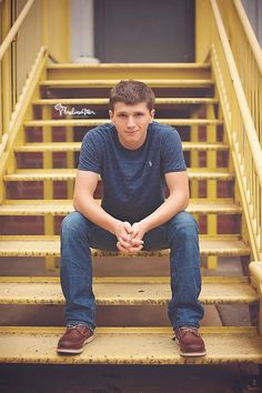 urban-industrial-preppy-style-teen-boy-high-school-senior-photo-shoot-downtown-greensboro-nc