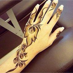 حنة Palm Henna Designs, Latest Henna Designs, Arabic Henna Designs, Modern Mehndi Designs, Wedding Mehndi Designs, Beautiful Henna Designs, Mehandi Designs, Henna Leg Tattoo, Henna Ink