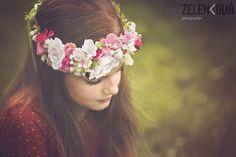 Věneček do vlasů-květinová romantika