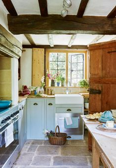 Traditional Country Kitchen Ideas | Real Homes #countryhomedecoration