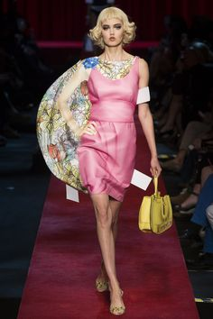 Moschino Spring 2017 Ready-to-Wear Fashion Show - Lindsey Wixson