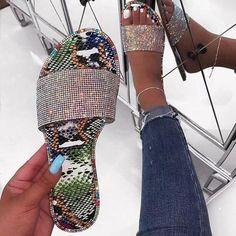 Womens Fashion Sandals Wearing Colorful Diamonds Flip Flops Non-Slip Flat Bottom Flip-Flops Cute Sweet Beach Sandals Roman Shoes