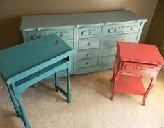 Colorful vintage furniture! My favorite:)