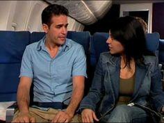 En el avion - YouTube ... conditional and future tenses ... hablan de lo que pasará durante el vuelo ...