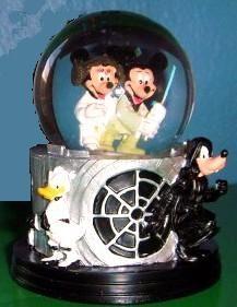 Disney Star Wars Snowglobe