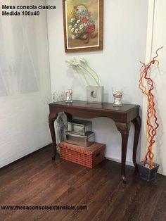 una mesa consola de estilo clasico en laca, patas chippendale en madera maciza. Elige tu color www.mesaconsolaextensible.com Color, Solid Wood, Consoles, Colour, Colors