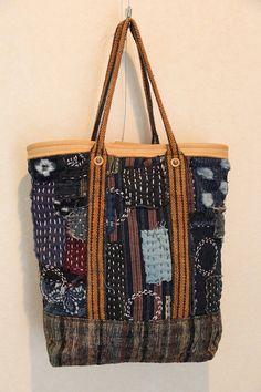 古い生地を使用したバッグです。