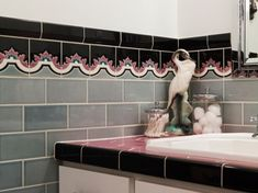 Brand New Colorful Bathrooms That Look Vintage or Retro Apartment Therapy New Bathroom Designs, Art Deco Bathroom, Bathroom Colors, Bathroom Ideas, Bathroom Gallery, Small Bathroom, Retro Bathroom Decor, Basement Bathroom, Bathroom Remodeling