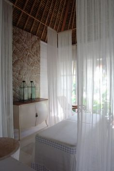 Oazia Spa Villas, a boutique resort and spa in Canggu Bali - OAZIA SPA