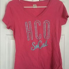 Hollister T-Shirt Excellent condition  Hollister Tops Tees - Short Sleeve