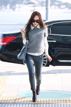 Jessica Jung at Incheon Airport Heading To Beijing Snsd Airport Fashion, Snsd Fashion, Fashion Idol, Ulzzang Fashion, Korean Fashion, Fashion Outfits, Womens Fashion Uk, Uk Fashion, Kimono Fashion