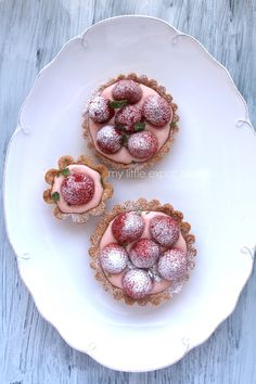 My Little Expat Kitchen: Strawberry tartlets (with strawberry crème légère and fresh strawberries)
