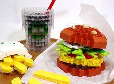 Resultados de la Búsqueda de imágenes de Google de http://4.bp.blogspot.com/-RnmaJj4H1HE/TfF9GHSBT1I/AAAAAAAAAWI/p-xHKZm8ynw/s640/lego%2Bfood_burger.jpg