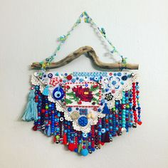 Recycled Crafts, Diy And Crafts, Arts And Crafts, Turkish Eye, Hanging Decorations, Dream Catchers, Evil Eye, Elsa, Recycling