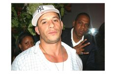 Funniest Celebrity Photobombs   Stars Who Photobomb Jay-Z and Vin Diesel