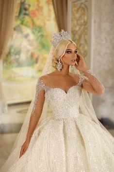 Extravagant Wedding Dresses, Beautiful Wedding Gowns, Princess Wedding Dresses, Wedding Dress Styles, Dream Wedding Dresses, Bridal Dresses, Ideias Fashion, Ball Gowns, Dress Wedding