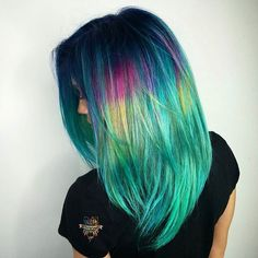 💙💚💖💛🌌Another #pulpriotlab has come to an end 💚💙🤘 so honored to again work with some of the most talented people I've ever met. Couldn't wish for anything more. Here is a side view showing off my models hair. I did a dark shadow root and this picture really accentuates it. Thanks so much to the amazing @davidbutterflyloft (who also painted a rainbow peice 🤘) @alexisbutterflyloft. You guys are epic af. Photo cred @hugosalon  blow out cred @asilsmsk @fuckinghair 🤘💖shoutout to…
