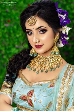 Beautiful Indian Brides, Beautiful Indian Actress, Beautiful Ladies, Indian Bridal Photos, Indian Wedding Couple Photography, Bengali Bridal Makeup, Bride Portrait, Glamorous Makeup, Beautiful Women Pictures