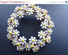 ON SALE Weiss enamel daisy brooch. by BlackberryJamJewelry on Etsy
