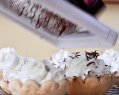 How to make mini pies for wedding dessert table. Recipe for french silk pie. Easy Pie Recipes, Fall Dessert Recipes, Pie Dessert, Dessert Table, Holiday Recipes, Chocolate Pie Recipes, Chocolate Pies, Almond Recipes, Best Sugar Cookie Recipe