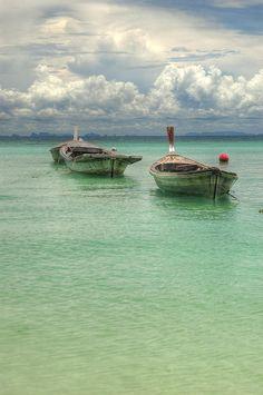 ✮ Boats in the Andaman Sea off the coast of Phuket Thailand