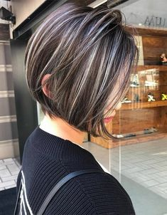 Fancy & Hottest Short Hairstyles that you'll Love In 2020 Fancy Short Hair, Short Hair Cuts, Medium Hair Styles, Short Hair Styles, Dark Hair With Highlights, Short Hairstyles With Highlights, Stylish Hair, Hair Looks, Hair Beauty