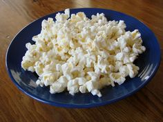 For all you penny pinchers: Homemade Microwave Popcorn! #copycat #recipe