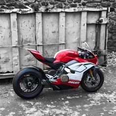 """14.1k Likes, 22 Comments - Motorcycles Around World (@superbikesgram) on Instagram: """"Looking Speciale @iicemann 