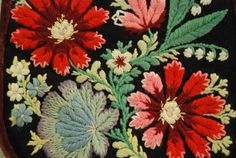 Folk Embroidery Patterns Embroidery from Dalarna. Dalarna historical province or landskap in central Sweden. Embroidery Designs, Wool Embroidery, Machine Embroidery, Hungarian Embroidery, Textiles, Folklore, Antique Quilts, Textile Art, Blackwork
