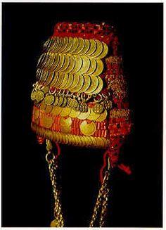 Bethlehem headdress shatweh, c1920's (Tareq Rajab Museum, Kuwait)