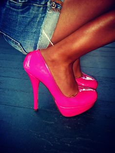 LOVE these heels <3