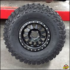 33x12.50R15 Cooper Discoverer STT Pro tire