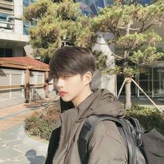 suho from true beauty on webtoon Korean Boys Hot, Korean Boys Ulzzang, Korean Couple, Ulzzang Couple, Ulzzang Boy, Korean Girl, Beautiful Boys, Pretty Boys, Cute Boys